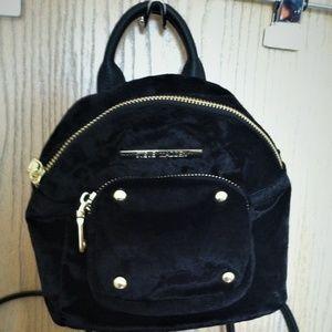 (NWT) STEVE MADDEN / Velvet Mini Backpack/Eve Bag